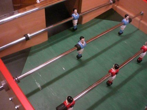 angles verts tapis de jeu baby foot